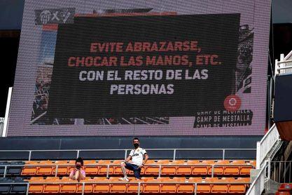 Y 442 días después Mestalla abrió sus puertas a la afición