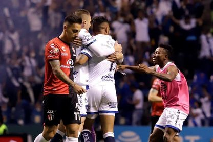 Un autogol del peruano Santamaría clasifica al Puebla a las semifinales del fútbol en México