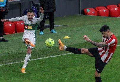 El Elche perdió 2-3 en la última visita del Athletic que remontó dos goles