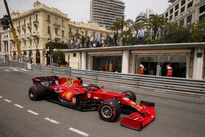 Leclerc brilla para Ferrari y Mónaco firmando la 'pole' en casa