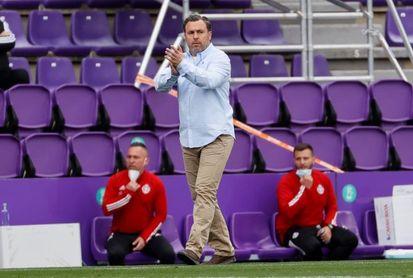 El Valladolid rescinde los contratos de Sergio y del director deportivo