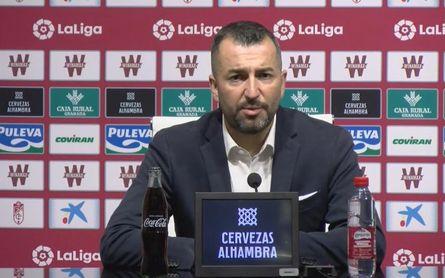 """Emotiva despedida de un """"desgastado"""" Diego Martínez"""