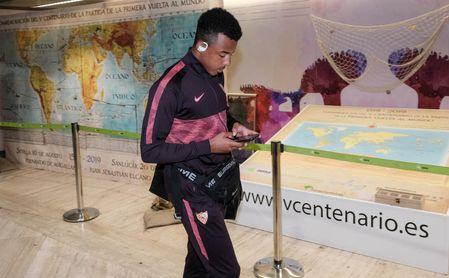 Koundé insiste en su posible salida del Sevilla y condiciona las prioridades de la planificación