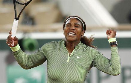 Serena Williams sufre más de lo previsto para acceder a la segunda ronda