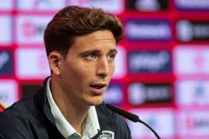 """Pau Torres: """"Tengo contrato en el Villarreal y me centro en mi club"""""""