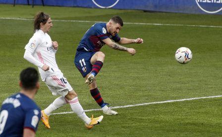 Giro radical en el futuro de Javi Galán: de estar cerca del Sevilla a poner rumbo a la Premier