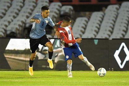 Suspensión por tiempo indeterminado a los árbitros del Uruguay-Paraguay