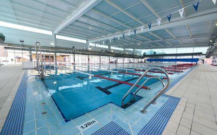 El Ayuntamiento de Sevilla mejora las instalaciones públicas para los deportistas y para la reactivación económica