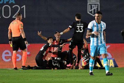 Colón logra el primer título de su historia en la Primera División argentina
