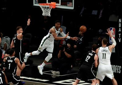 115-107. Los Nets, a pesar de la lesión de Harden, superan a los Bucks y toman ventaja