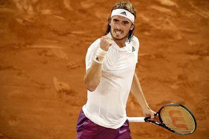 Tsitipas acaba con Medvedev para jugar sus segunda semifinal en Roland Garros