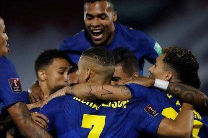 0-2. Brasil enlaza su sexta victoria y frena en seco a Paraguay