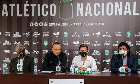 Atlético Nacional anuncia a Alejandro Restrepo como DT y vuelta de Maturana.