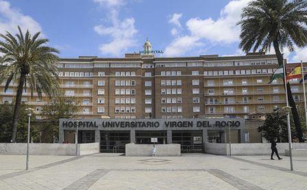 Andalucía baja los hospitalizados por Covid-19 y los pacientes en UCI se mantienen