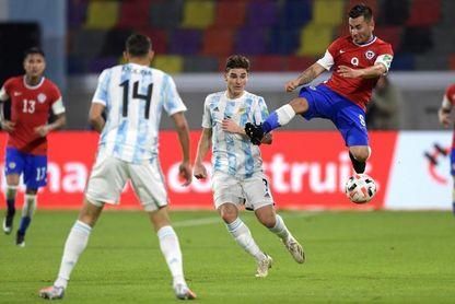 Argentina da de baja a Lucas Alario por lesión y cita a Julián Álvarez