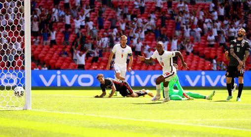 1-0. Inglaterra vence al calor