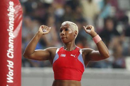 La pertiguista cubana Yarisley Silva salta 4.60 metros, su mejor marca del año