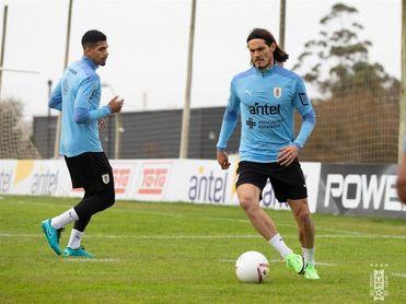 Sol y calma en el entrenamiento de Uruguay con la mente puesta en Argentina