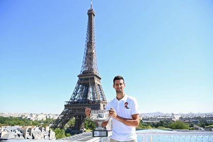 Djokovic relanza la carrera por la historia