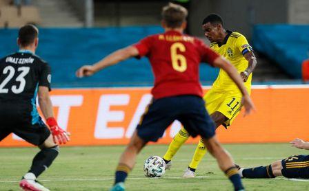 Así te contamos el España-Suecia (0-0): Olsen frustra a una 'Roja' superior pero aún sin pegada