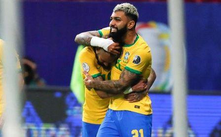 Neymar y Gabigol lideran el ataque en el entrenamiento antes del partido con Perú
