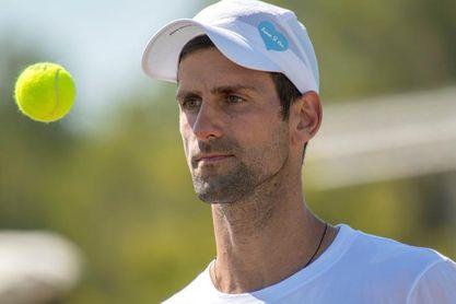 Djokovic ya entrena en Wimbledon y Federer se prueba con Murray