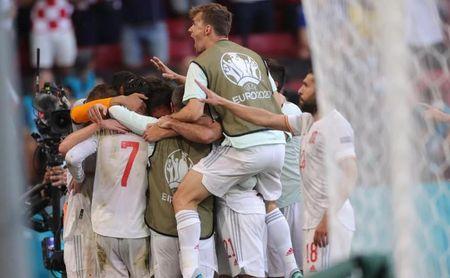España recupera credenciales en plena locura (Croacia 3-5 España)