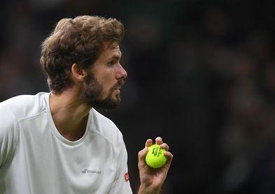 Murray sobrevive a cinco sets