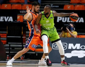Eyenga amplía su contrato dos años con el Fuenlabrada