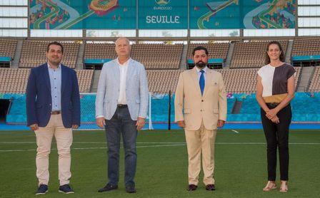 Imbroda destaca el éxito de la apuesta por la Eurocopa para confirmar La Cartuja como motor económico.