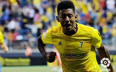 El Nottingham Forest vigila a 'Choco' Lozano