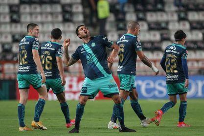 El uruguayo Perg y el colombiano Balanta son nuevos jugadores del Querétaro