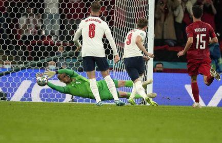 2-1. Inglaterra esquiva el 'maracanazo'