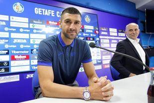 Mitrovic: ´Jugar en el Getafe es un reto porque la Liga española es la mejor´