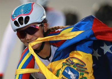 La venezolana Chacón gana la etapa y es líder de la Vuelta al Tolima en Colombia
