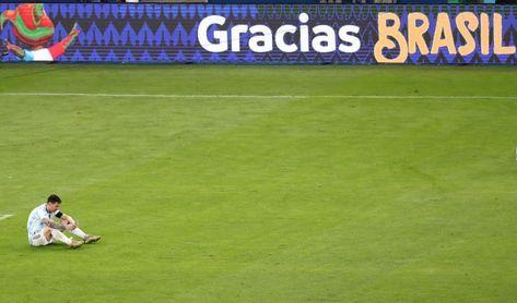 La coronación de Messi con Argentina abre las ediciones digitales en España