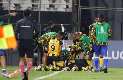 2-2. El Táchira y Rosario empatan y definirán todo en la vuelta