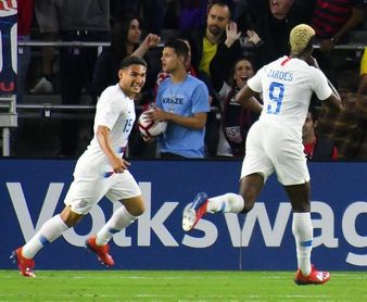 EE.UU. y Canadá logran el pase a cuartos de final con sendas goleadas