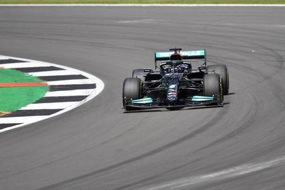 Hamilton resiste y saldrá primero en la primera calificación a prueba sprint