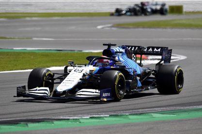 Russell sancionado con tres puestos; Sainz arrancará décimo en Silverstone