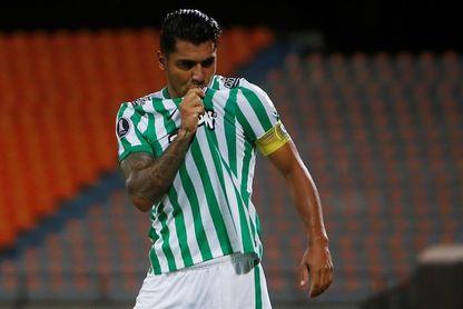 El Envigado remonta y salva un empate en casa ante el Atlético Nacional