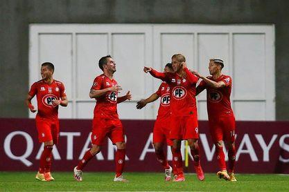 Audax Italiano y La Calera siguen peleando por la cima del fútbol en Chile