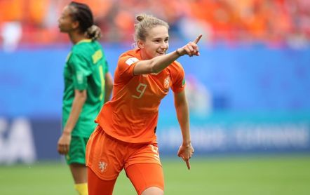 La neerlandesa Miedema bate el récord goleador en unos Juegos
