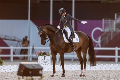 Beatriz Ferrer-Salat, decimoséptima en la final individual de doma