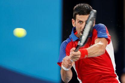 El alemán Zverev da la sorpresa y envía a Djokovic a luchar por el bronce