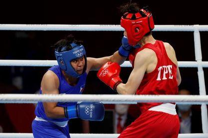 La campeona mundial Nesthy Petecio se clasifica a la final de peso pluma
