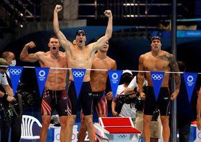 Dressel adorna su quinto oro con un récord mundial