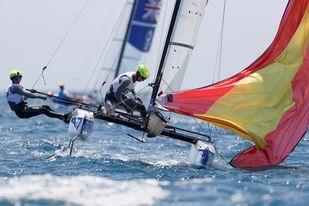 El Finn y el Nacra 17 se meten en las ´Medal Race´ con opciones de podio
