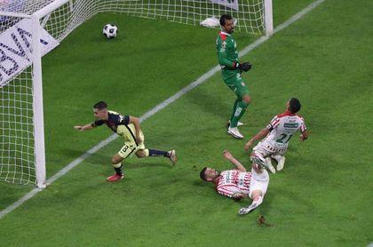 El español Fidalgo decide el primer triunfo del América de Solari en el Apertura