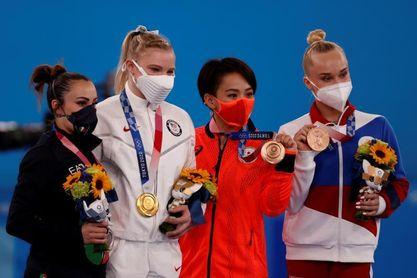 Carey recupera la sonrisa, Ferrari vuelve a un podio, Murakami lo conoce